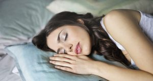 Sleep Well: How to Enjoy a Good Night's Sleep Well